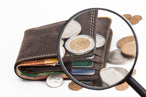 Швейцария държи Световния рекорд на Гинес за най-малката възпоменателна монета и най-старата монета, която все още е в обръщение.
